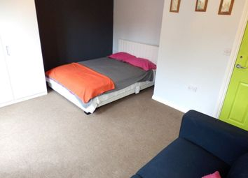 Thumbnail Room to rent in Cypress Way, Nuneaton