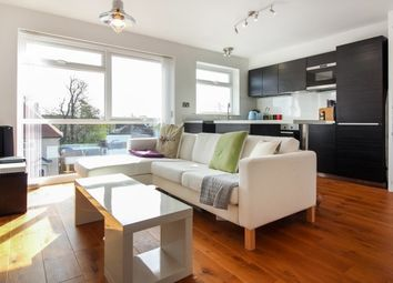 Thumbnail 2 bed flat to rent in Winton Road, Petersfield