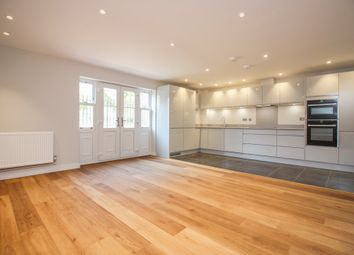 Thumbnail 2 bed flat to rent in Queens Avenue, Canterbury