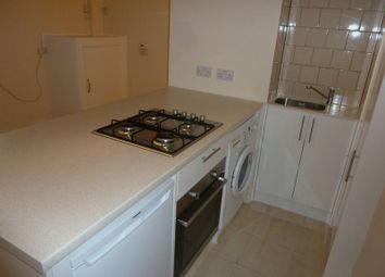 Thumbnail 1 bed flat to rent in Pemberton Road, East Molesey