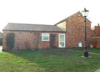 Thumbnail 2 bedroom cottage to rent in Newark Road, North Hykeham
