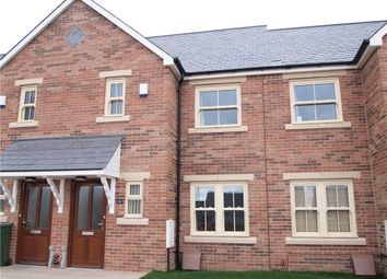 Thumbnail 3 bed town house to rent in Oak Park Drive, Leeds, West Yorkshire