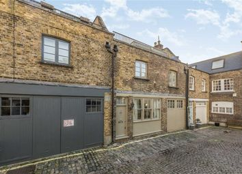 Thumbnail 3 bed flat to rent in Connaught Close, London
