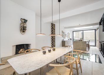 Thumbnail 2 bedroom property to rent in Battersea Bridge Road, London