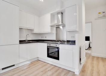 1 bed flat to rent in Cavendish Mansions, Clerkenwell Road, London EC1R