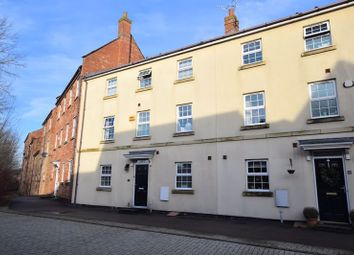 4 bed town house for sale in Hampden Square, Aylesbury HP19