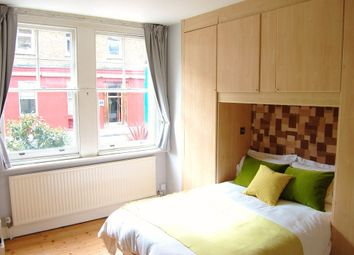 Thumbnail 1 bed flat to rent in Union Street, London