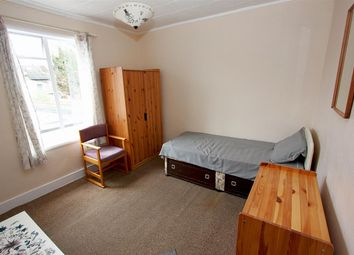 Thumbnail Studio to rent in Napier Road, South Croydon