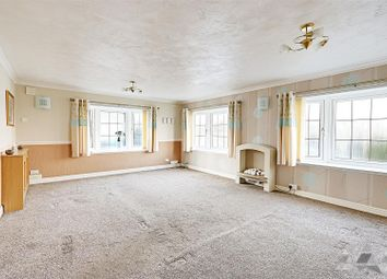 2 bed mobile/park home for sale in Poplar Drive, New Tupton, Chesterfield, Derbyshire S42