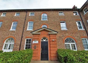 St. Marys Road, Portsmouth PO3. 2 bed flat for sale