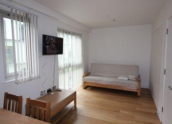 2 bed maisonette to rent in Love Lane, London SE18