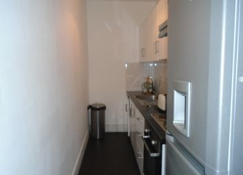 Thumbnail 3 bedroom flat to rent in Brownlow Road, Bounds Green