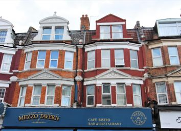 3 bed flat to rent in Grand Parade, Green Lanes, Harringay N4