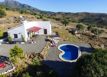 Thumbnail 3 bed country house for sale in Tolox, Málaga, Spain