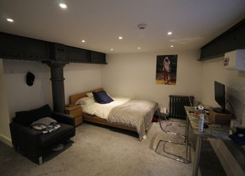 Thumbnail 4 bed flat to rent in Lower North Street, Exeter