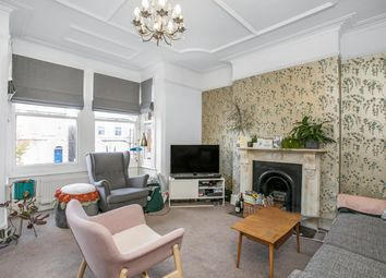 2 bed maisonette to rent in Tyrrell Road, East Dulwich, London SE22