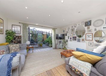 3 bed property for sale in Lord Holland Lane, Myatts Fields South, London SW9