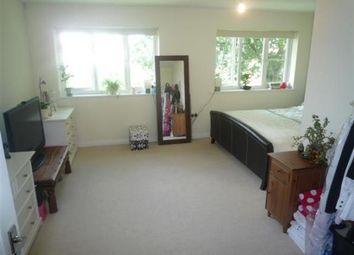 Thumbnail 2 bed duplex to rent in 4 Cottonham Close, London
