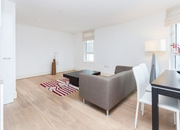 Thumbnail 1 bed flat to rent in Clement Avenue, Clapham