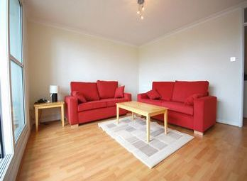 Thumbnail 3 bed flat to rent in Ridge Road, London