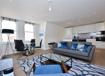 2 bed flat to rent in Kensington High Street, London W8