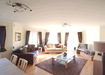 Thumbnail 2 bed flat to rent in Brigham Road, Reading
