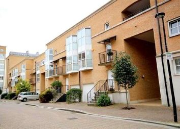 Room to rent in Rope Street, Surray Quays, London SE16