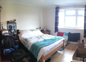 Thumbnail Room to rent in Marigold Place, Conniburrow, Milton Keynes