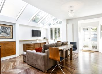 2 bed flat to rent in North Road, Richmond TW9