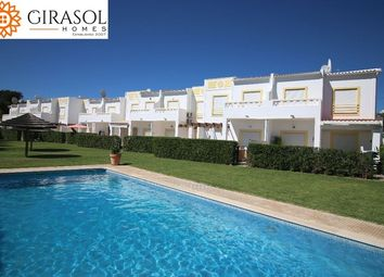 Thumbnail 3 bed town house for sale in Portugal, Algarve, Albufeira