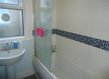 Thumbnail 1 bedroom property to rent in The Avenue, London