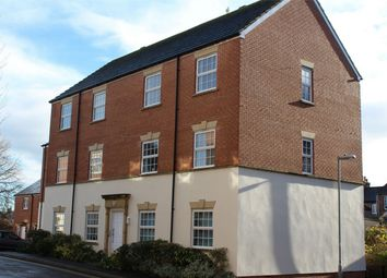 2 bed flat to rent in Gatehouse Court, Taunton TA1