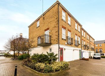 Thumbnail 3 bed flat to rent in Frobisher Way, Greenhithe