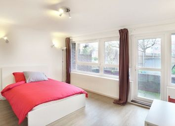 Room to rent in Weatherley Close, London E3