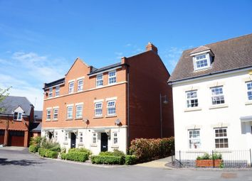 Thumbnail 3 bed town house to rent in Birkdale Close, Swindon