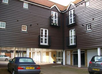 Thumbnail 2 bed flat to rent in Bridge Close, Sandwich