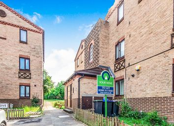 Thumbnail 1 bed flat to rent in Courtland Grove, London