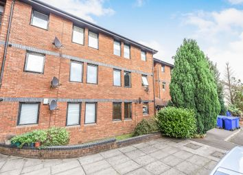 Thumbnail 2 bedroom flat for sale in Lylesland Court, Paisley