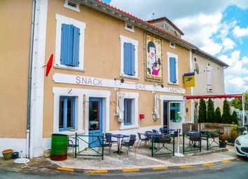 Thumbnail Pub/bar for sale in Verteillac, Dordogne, France