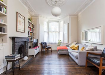 2 bed maisonette for sale in Pyrland Road, London N5