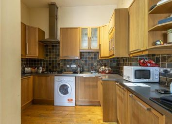 2 bed flat to rent in Edina Place, Edinburgh EH7