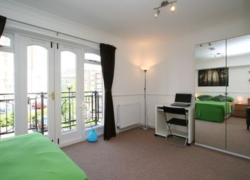 Thumbnail Room to rent in Old Bellgate Place, London