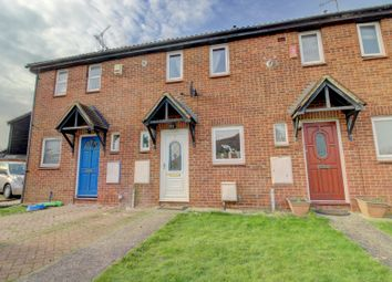 2 bed terraced house for sale in Woodstock Crescent, Hockley SS5