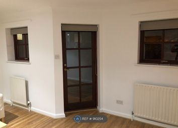2 bed maisonette to rent in Levyne Court, London EC1R