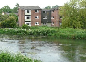 Thumbnail 2 bed flat to rent in Oxford Street, Hungerford