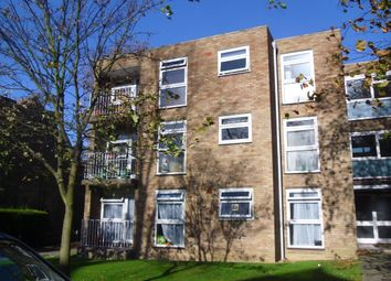 Thumbnail 2 bed flat to rent in Cedar Road, Sutton