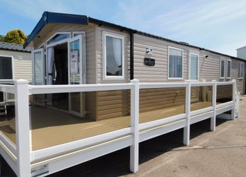 Thumbnail 3 bed mobile/park home for sale in North Drive, Great Yarmouth Holiday Park