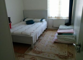 Thumbnail 1 bed flat to rent in Hockley House, Morning Lane, London