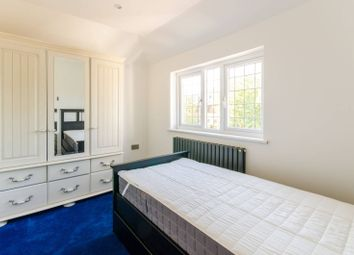 Thumbnail 4 bed flat to rent in De Bohun Avenue, Southgate