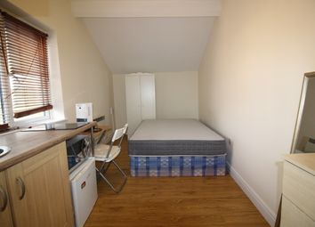 Thumbnail 1 bed flat to rent in Stamford Hill, London